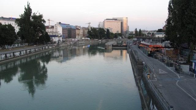 Набережная Дуная. Вена, Австрия.