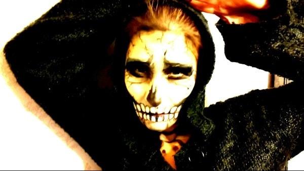 Прикольный женский костюм на Halloween