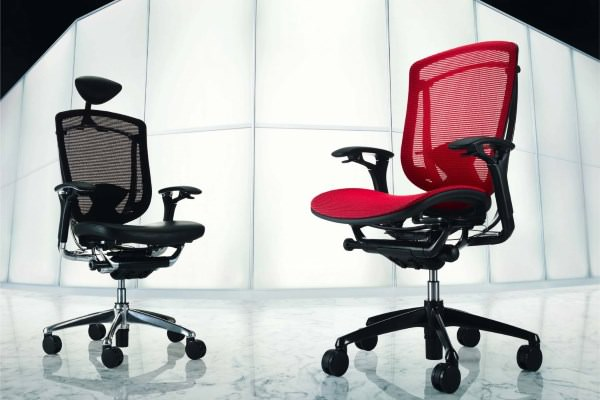 Крестовина и колёсики офисного кресла
